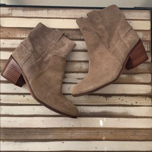 Vince Camuto Booties sz8.5